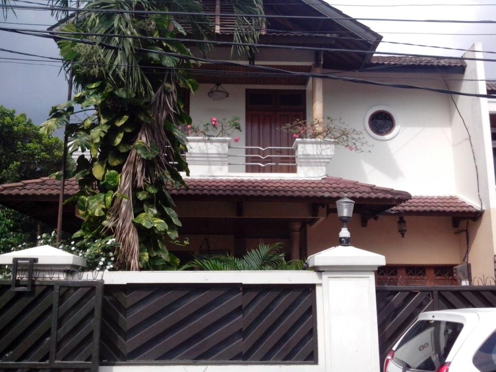 HOT SALE !!! Rumah Siap Huni dan Strategis @JL Jambu, Menteng
