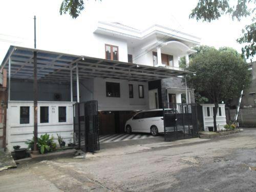 Rumah Dijual Bagus di Harapan Indah, Bekasi Barat