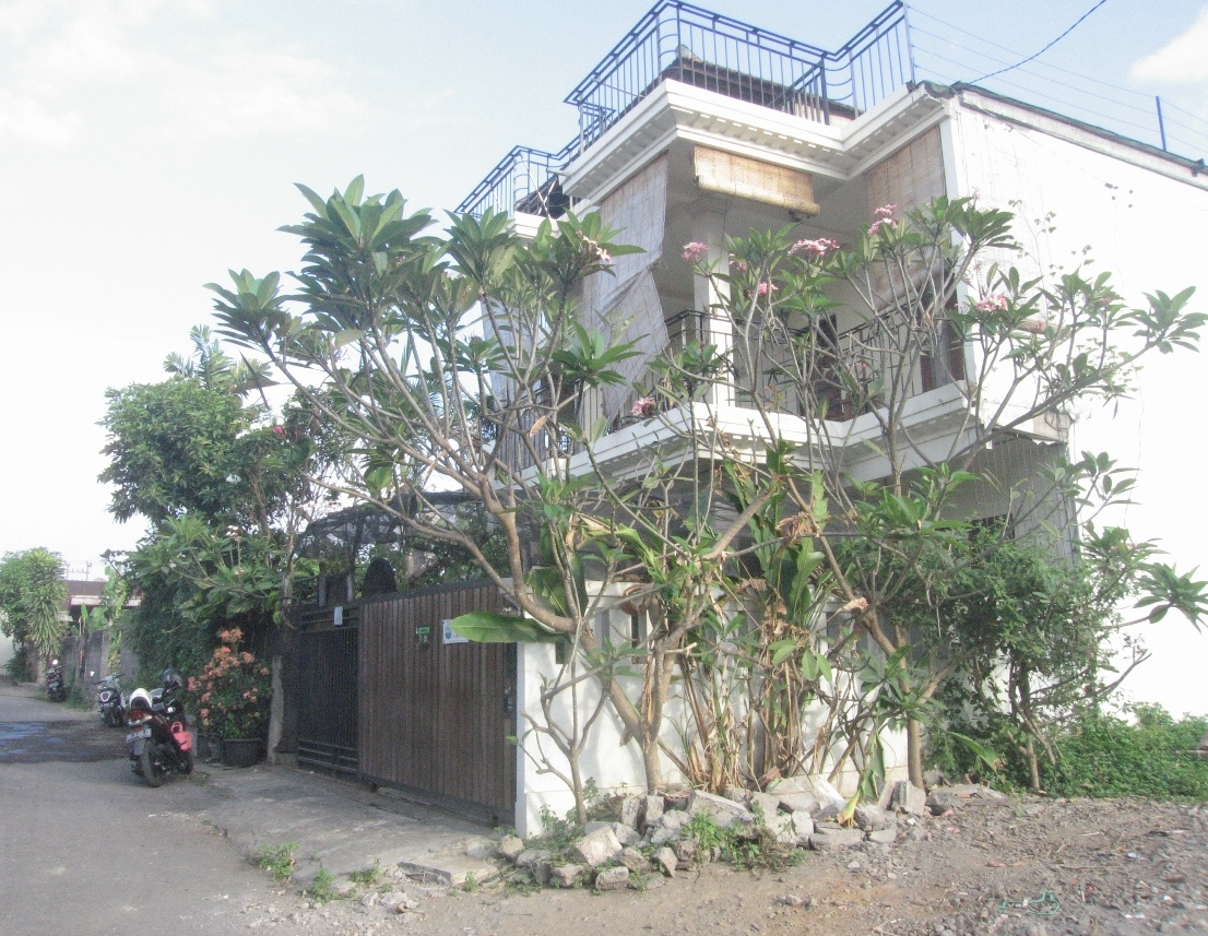 3 Bedroom Villa on 315 sq m of  Freehold In Gunung Lumut