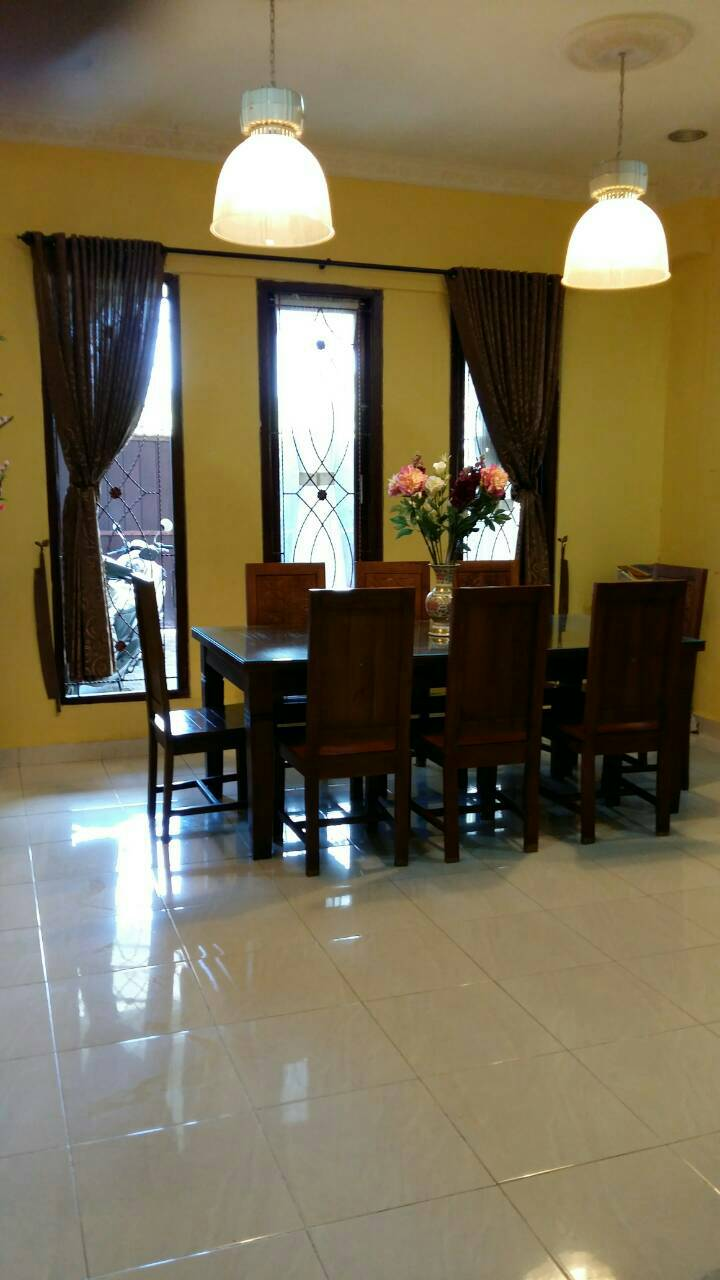 House 4 Bedrooms For Rent in Jimbaran
