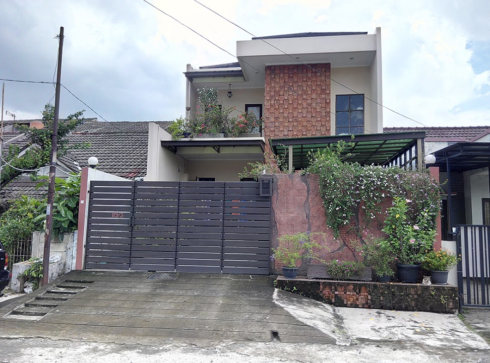 Rumah Bagus Rapi Terawat di Pondok Mitra Lestari