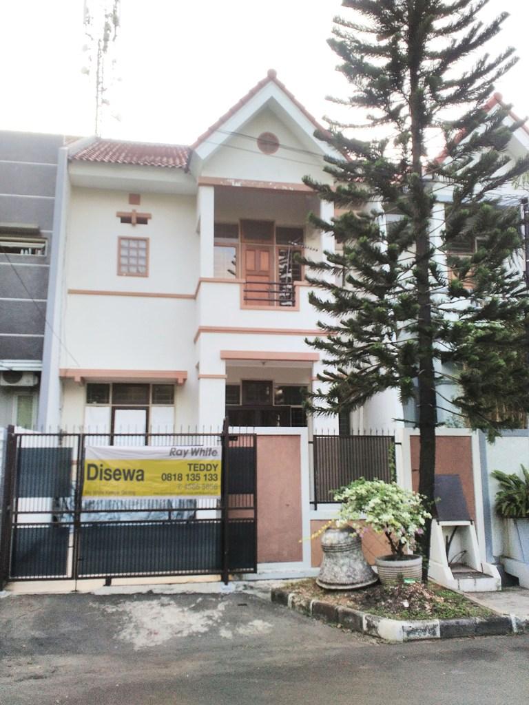 Rumah di Sewa Gading Kirana-Kelapa Gading-Jakarta Utara
