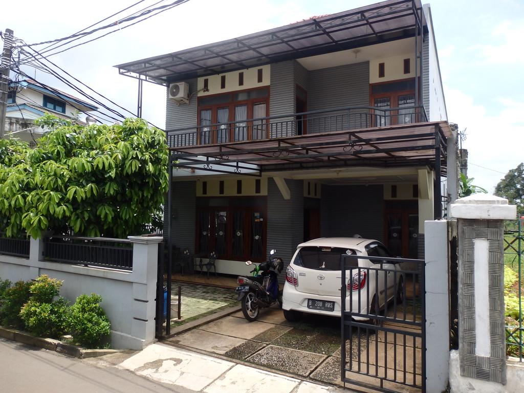 Dijual Cepat Rumah 2 Lantai Luas Pekayon Jakarta Timur
