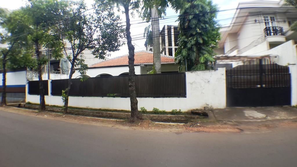 Rumah Dijual Jalan Lebar dan Tenang di Cipete