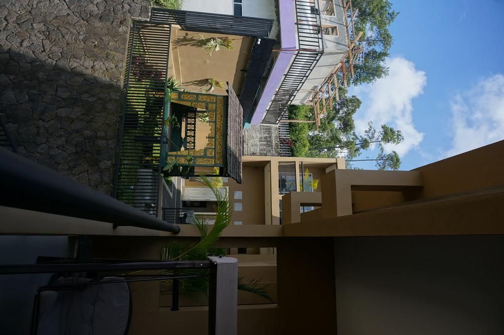 Rumah tinggal mewah bukit pakar timur IV bandung