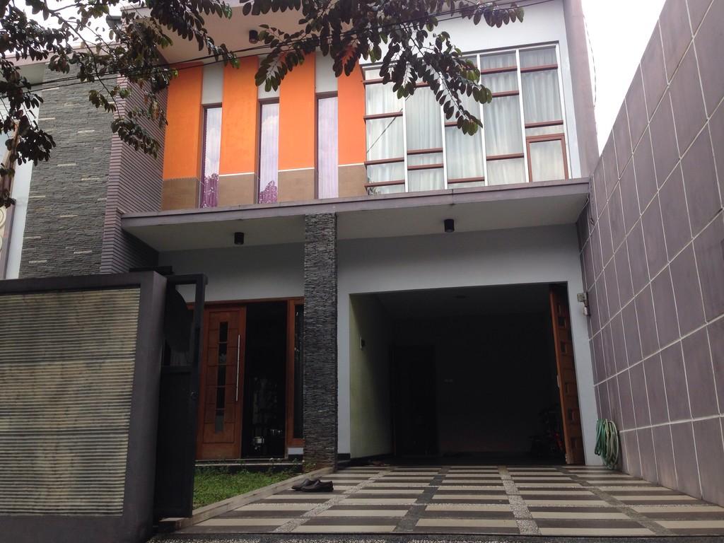 Rumah Mewah di Kemang Pratama Bekasi