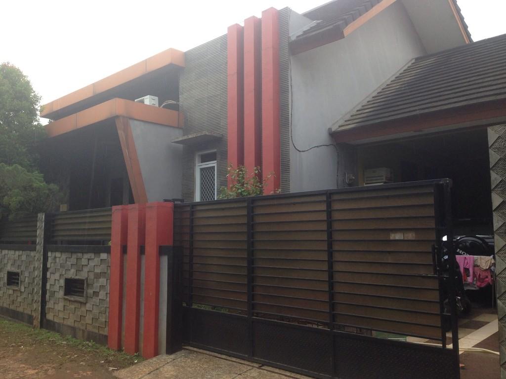 Rumah Klasik nan Asri di Kodau - Jatiwarna