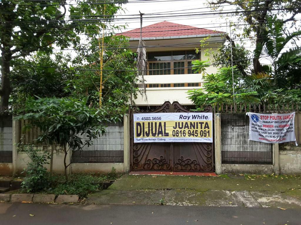 Rumah di Jual Jl Pacuan Kuda Raya-Jakarta Timur