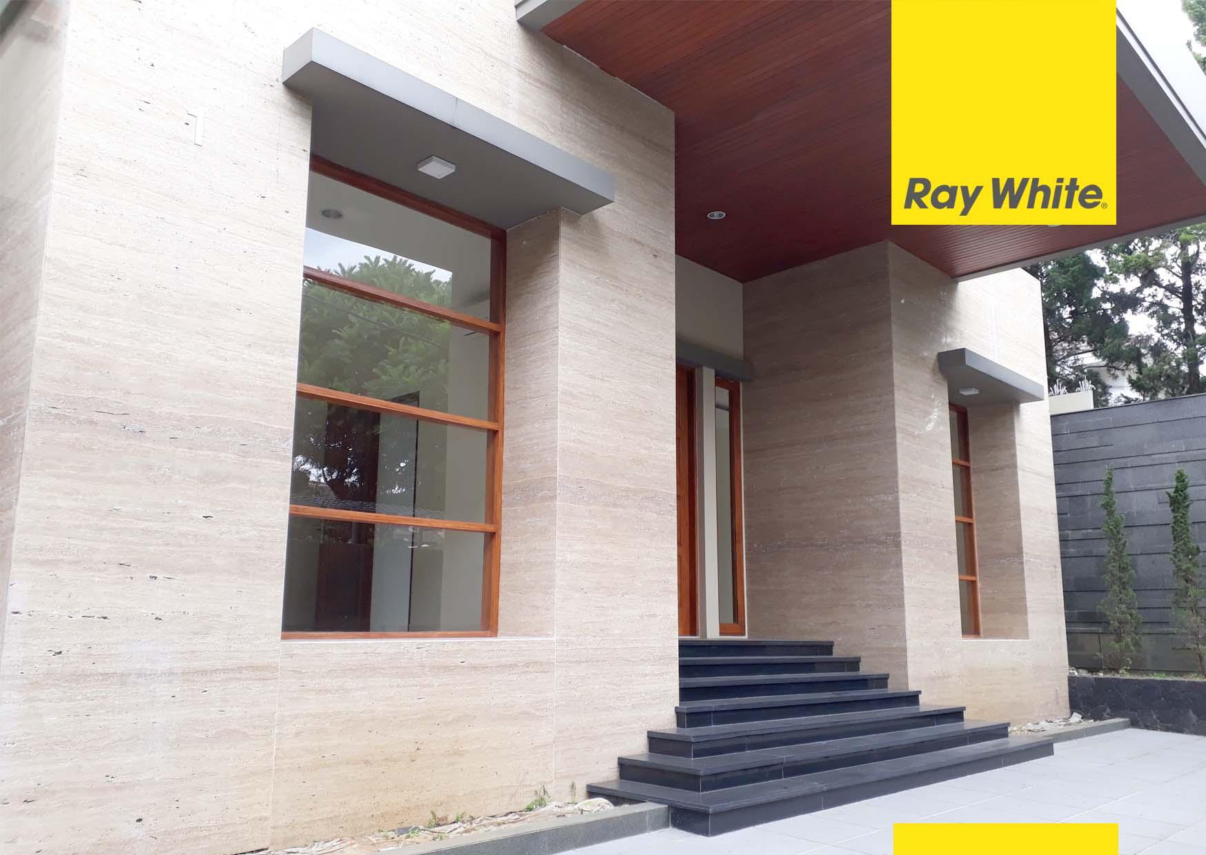 Rumah Lux dan baru di Setrasari Kulon