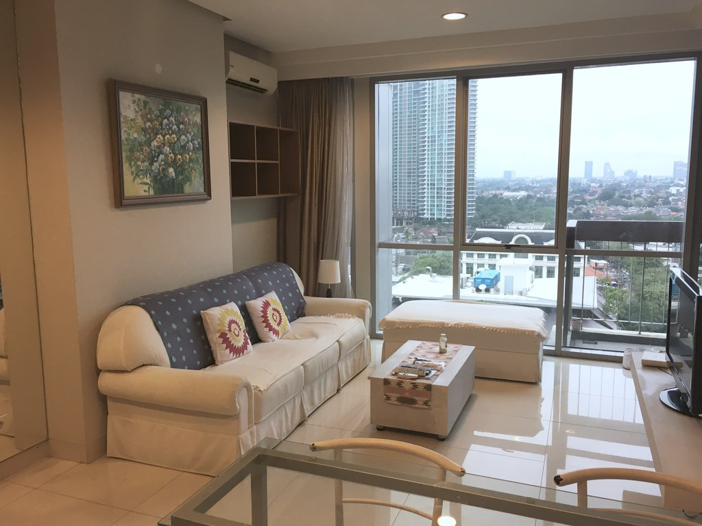 Kemang Mansion STUDIO apart Close to Restaurants, Boutique, Mall, etc. Only $1000/Month!!