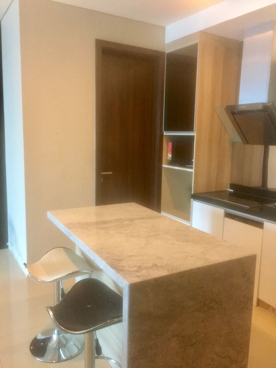 KEMANG VILLAGE 2BR APART 35th Floor with Private Lift on the TOP of LIPPO MALL!! EASY ACCESS!