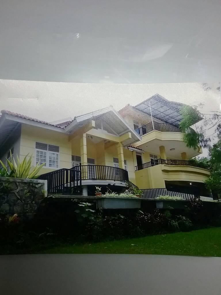 Dijual Villa/ Resort, Akses lokasi strategis, nyaman, luas, lokasi @Cisarua-Bogor