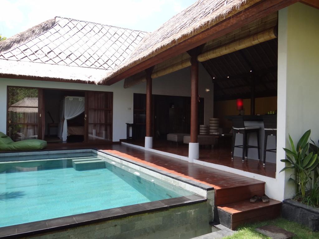 Freehold 2 bedrooms villa at Balangan
