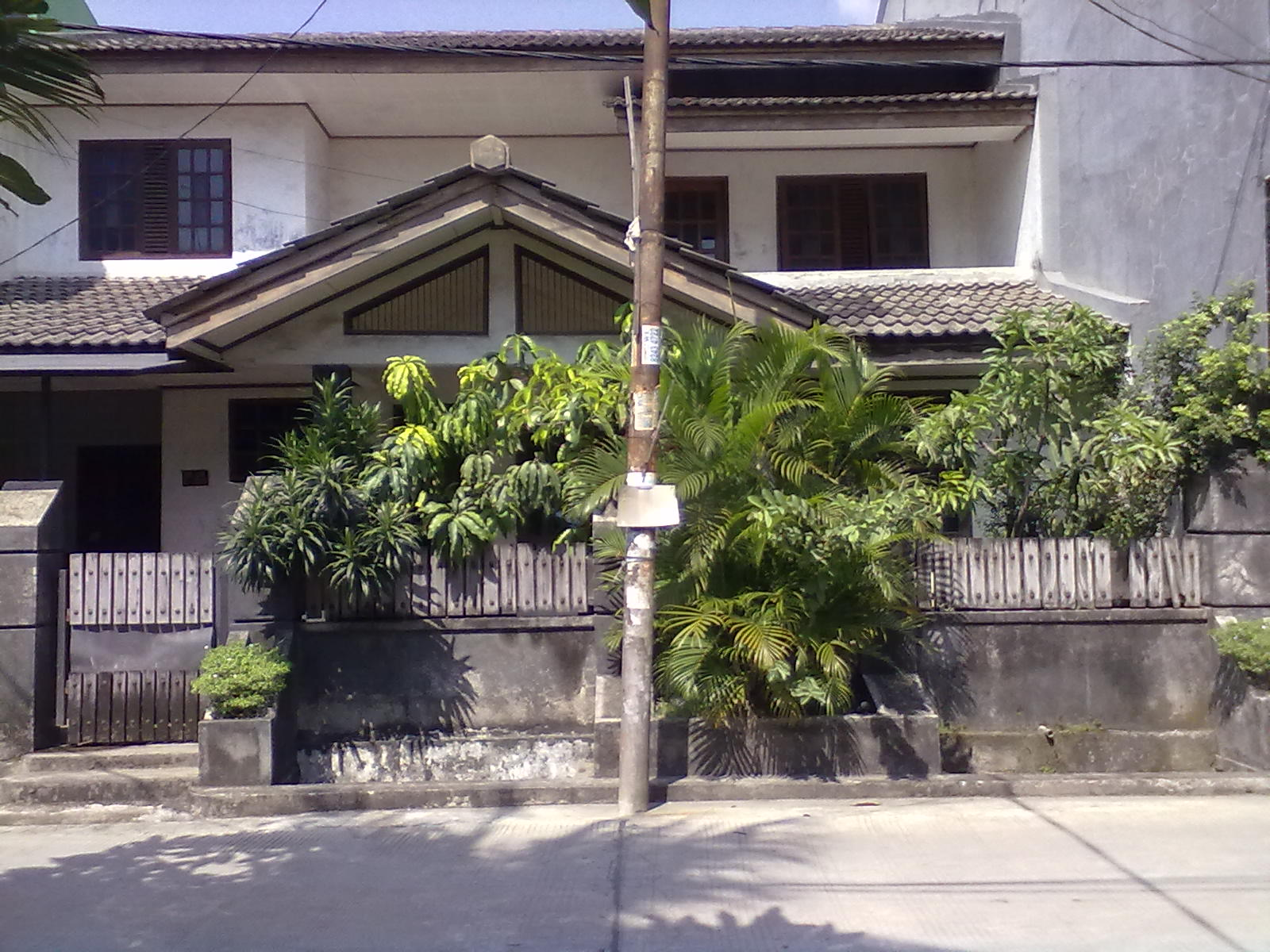Rumah Asri & Strategis di Perumahan Duren Jaya Bekasi !!!