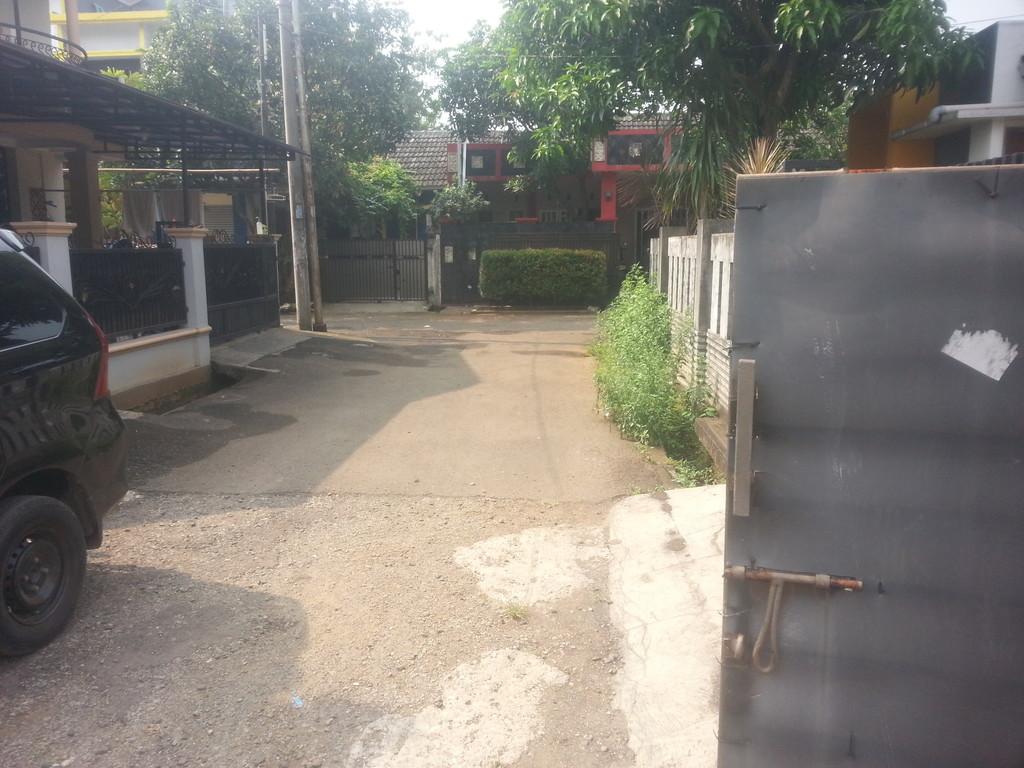 Rumah di bawah harga pasar di dukuh zamrud Bekasi