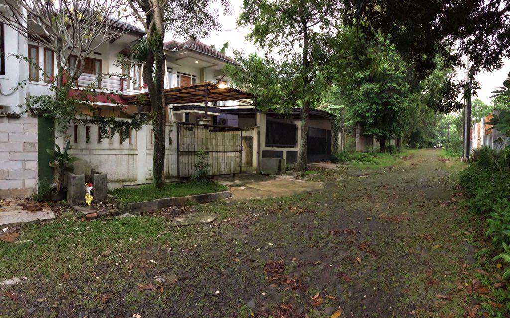 Rumah Cantik , Asri dan Tenang Jalan Melati Cinere