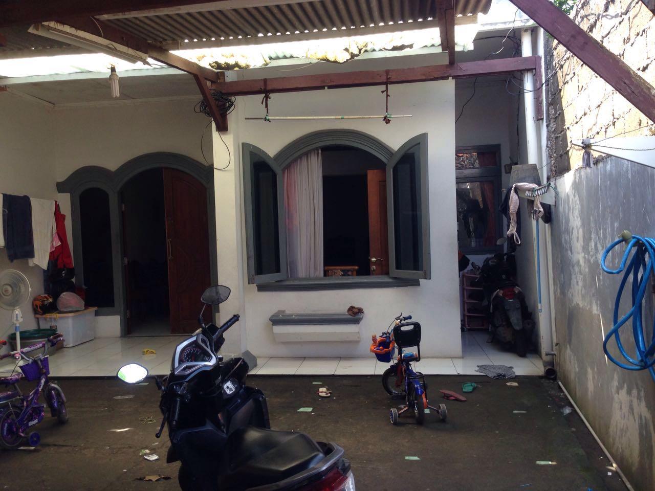 Rumah Ngantong Nyaman dan Asri di Bintara Bekasi !!!