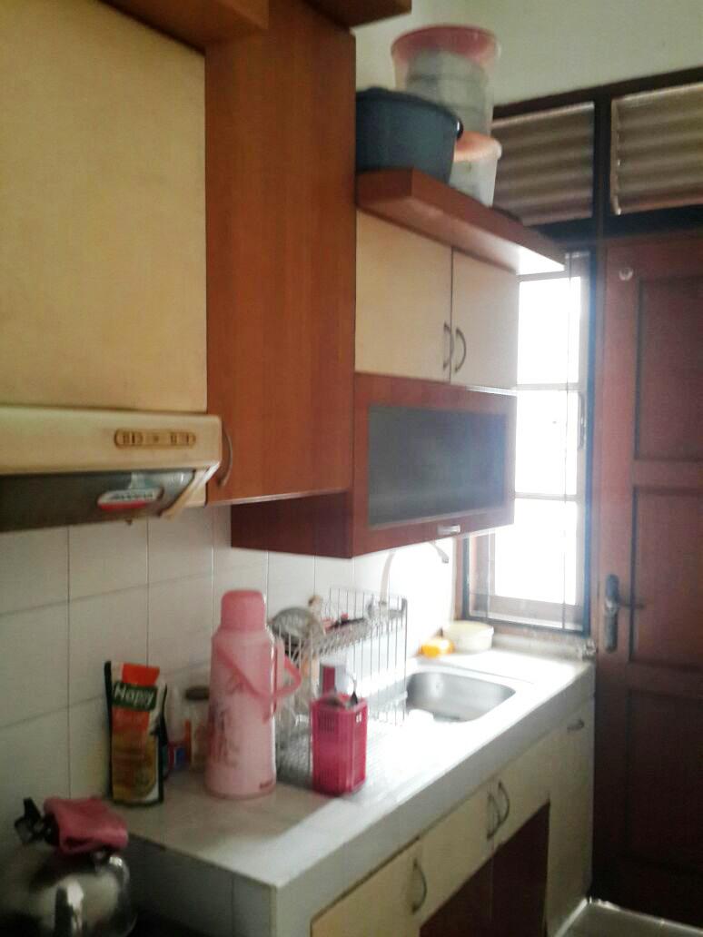 HOT SALE !!! Rumah Siap Huni, Asri, dan Strategis @Kucica, Bintaro
