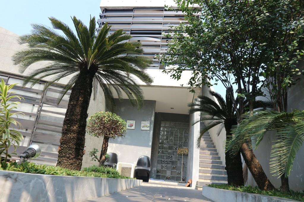Rumah Keren Kota Bekasi Fully Furnished di Jatiwaringin