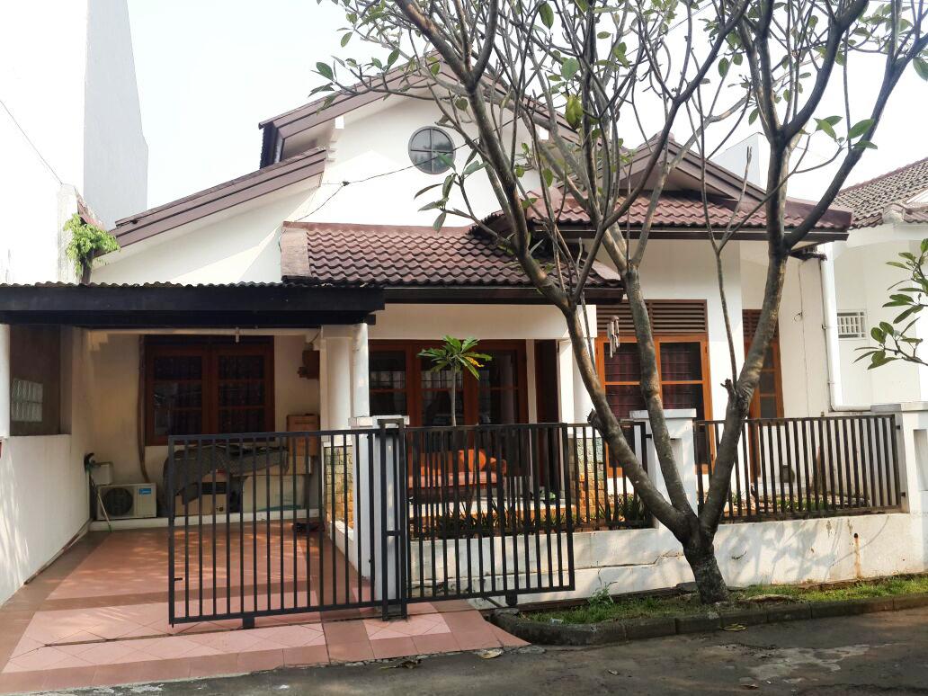 Rumah Disewakan Siap Huni, Lokasi Strategis, dan Asri Di Kucica, Bintaro