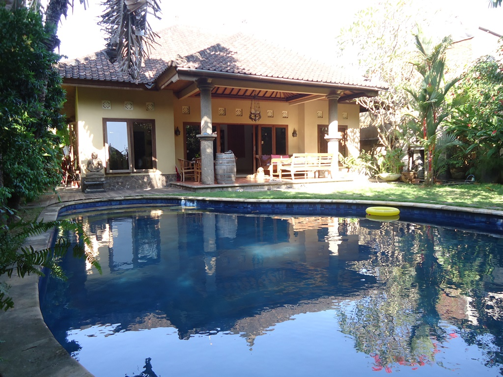 House With Great Bungalow in Denpasar Close to Seminyak