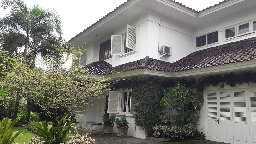 Rumah Mewah di Ragunan, Hadap Utara, SHM, Luas Tanah 1050 m2