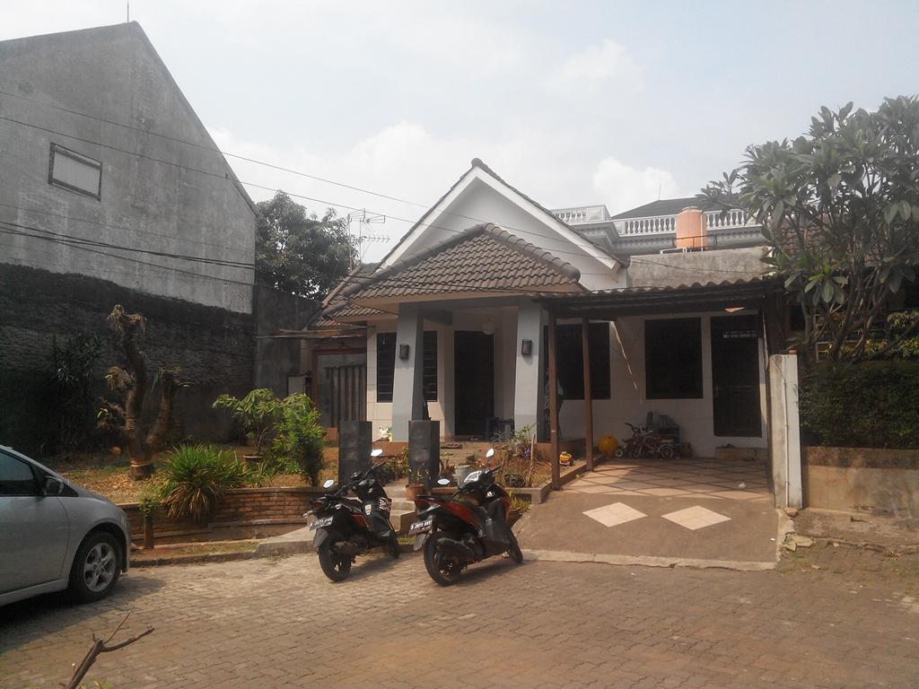 Dijual Rumah Nyaman di Taman Bougenville, Caman - Jatibening Bekasi