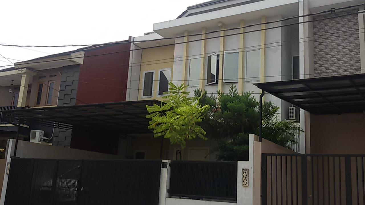 Rumah di Pangkalan Jati, 4 BR, Private Pool, SHM, LT 198 m2