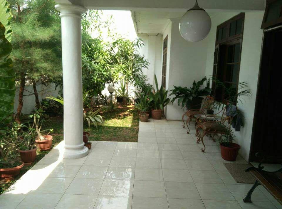 Rumah cantik dan besar full furnish di Harapan Indah