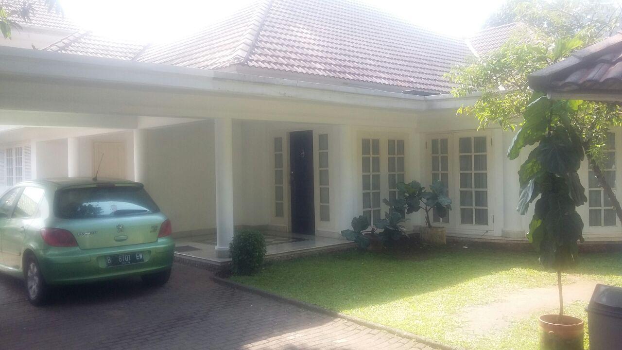 Disewakan Rumah di Prime Area Jl Adityawarman, Kebayoran Baru