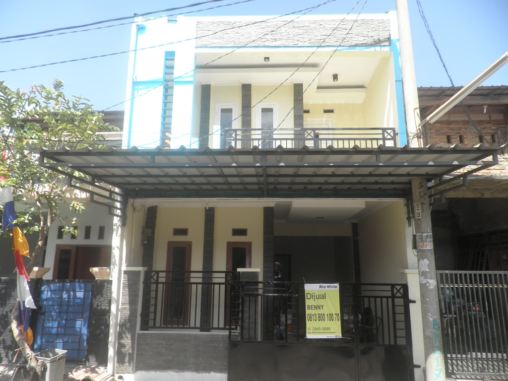 Rumah Cantik 2 Lantai di Villa Mutiara Gading 2 Harga Cuma 500 Jutaan