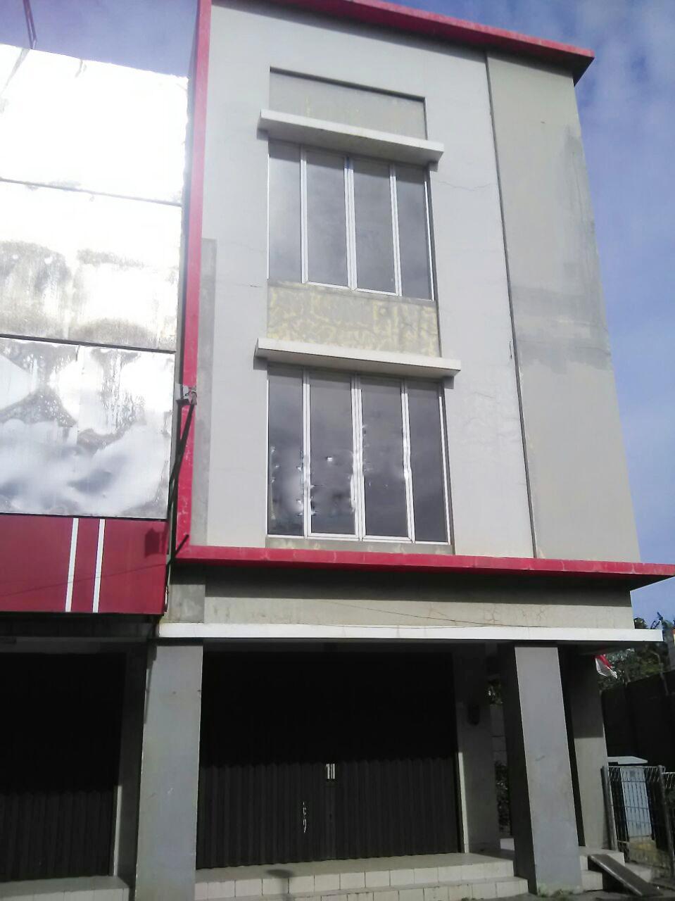 Dijual Ruko Luas, Lokasi sangat Strategis di Kawasan Graha Raya