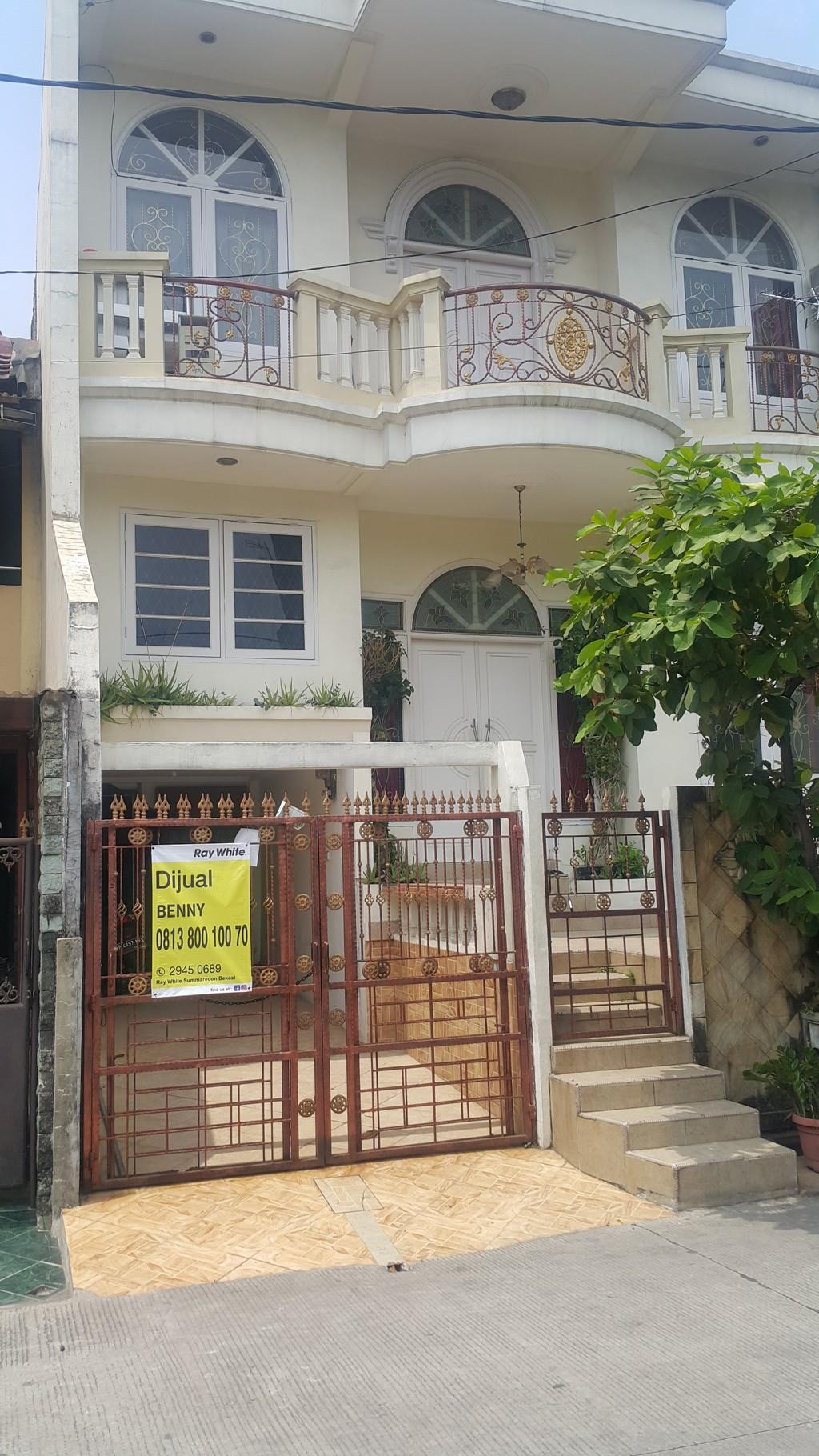 Rumah Mewah 2 Lantai di Villa Taman Kartini Harga Rp.1.2 M-an