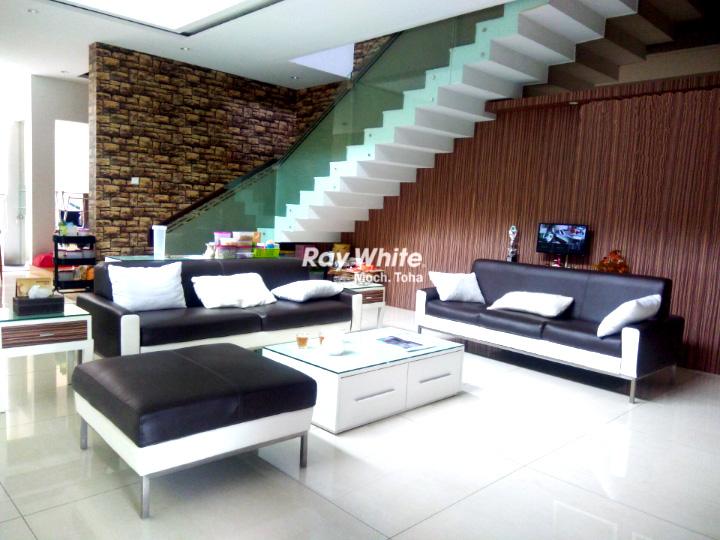 Rumah Mekarwangi Lux Modern Minimalis