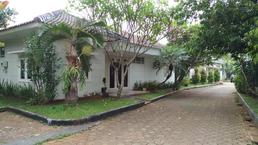 For Rent Beautiful minimalis house at Perum Kompleks Buncit Indah Pejaten - Jakarta Selatan