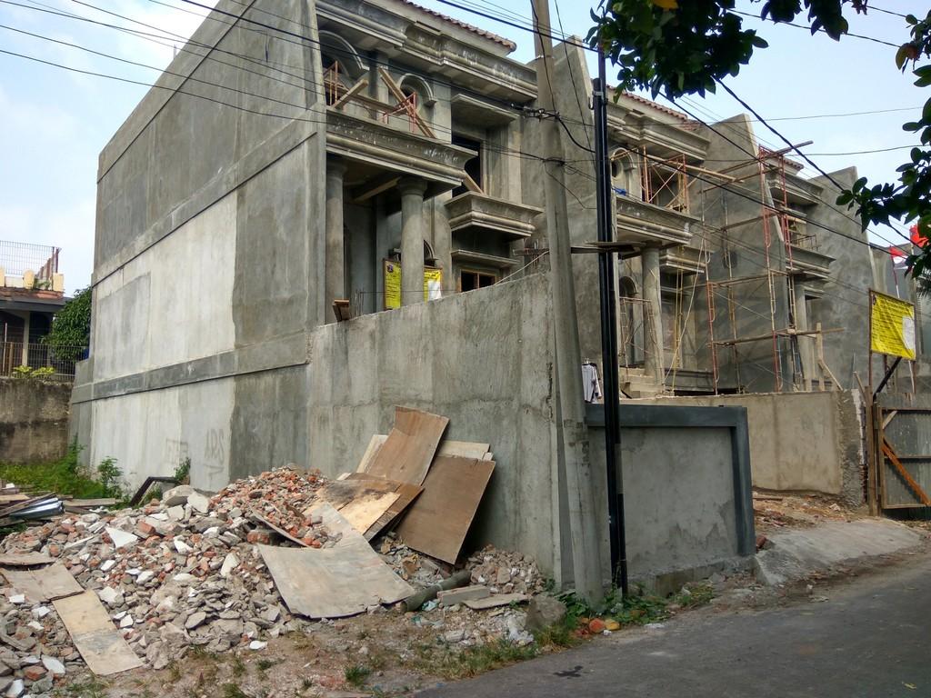 DIJUAL RUMAH Di Pejaten Timur - Ps. MInggu - Jakarta Selatan