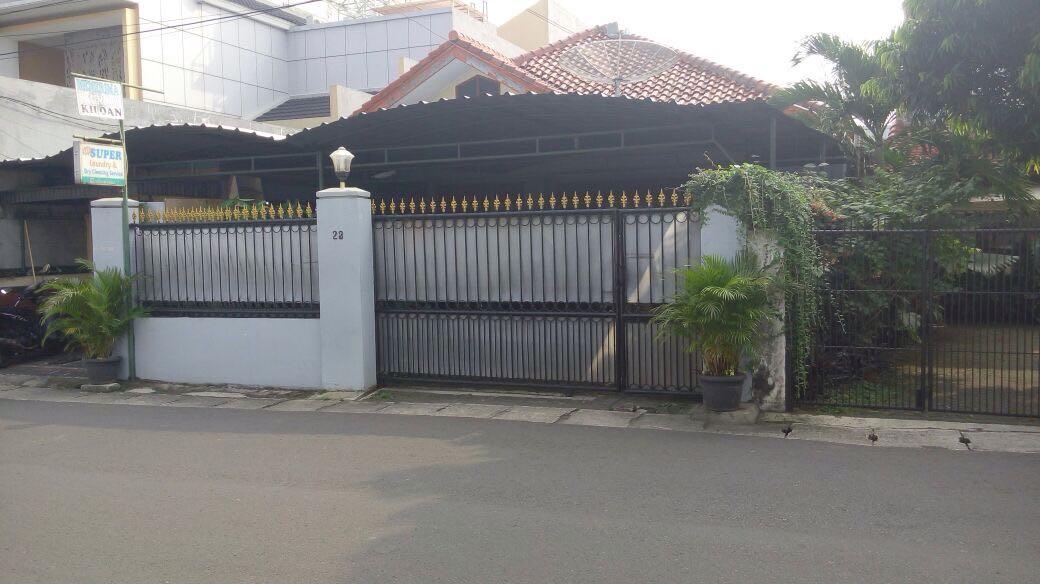 RUMAH STRATEGIS DEKAT MRT FATMAWATI & PIM