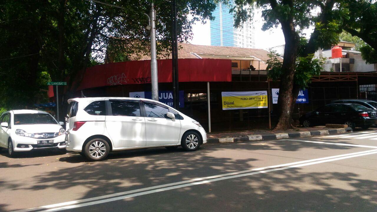 For Sale : Rumah atau Tempat Usaha di Jl Kh Ahmad Dahlan, Kebayoran Baru