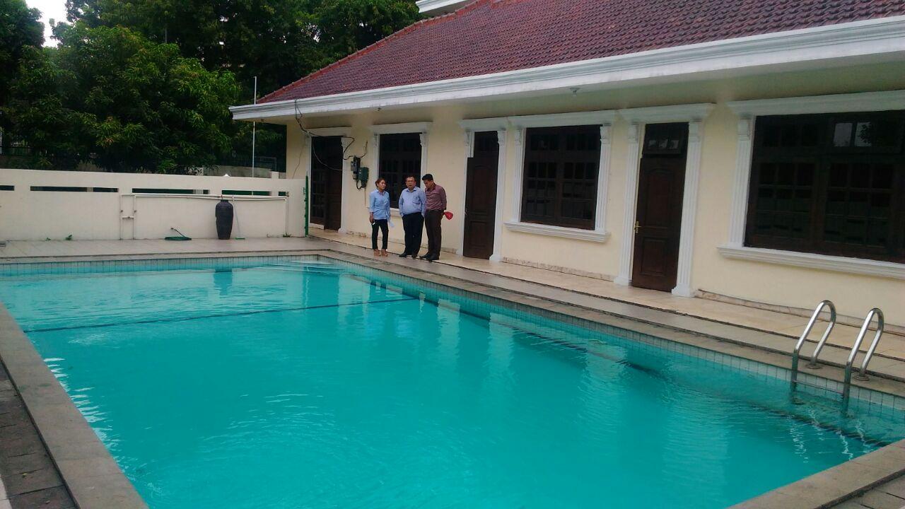 For Sale : Rumah di Jl Patiunus, Kebayoran Baru