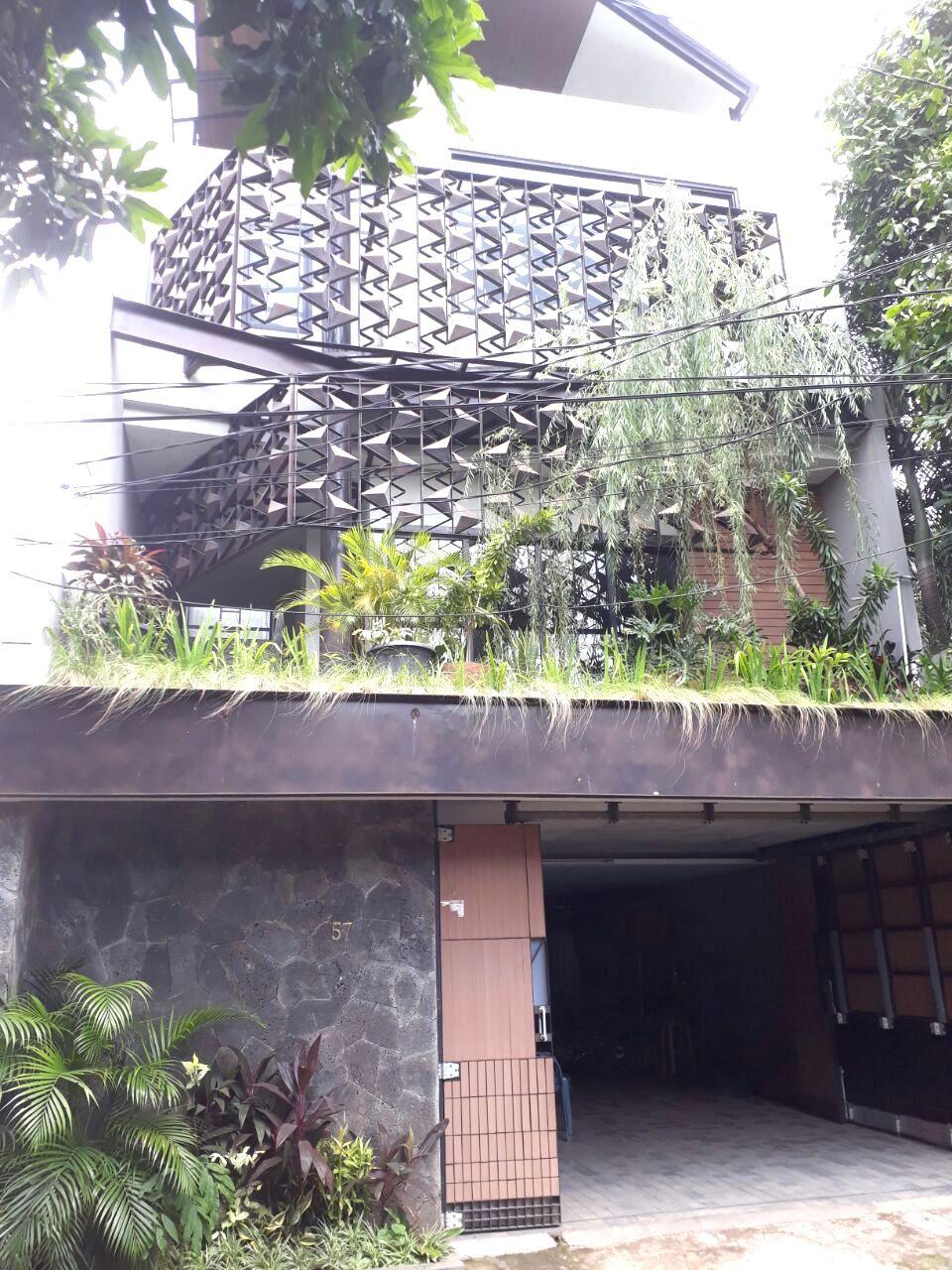 Rumah di Cilandak belakang @Citos