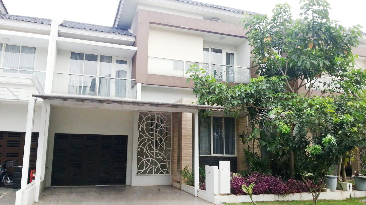 Rumah Disewakan lokasi strategis, bagus, nyaman dan aman daerah Kebayoran Essence, Bintaro