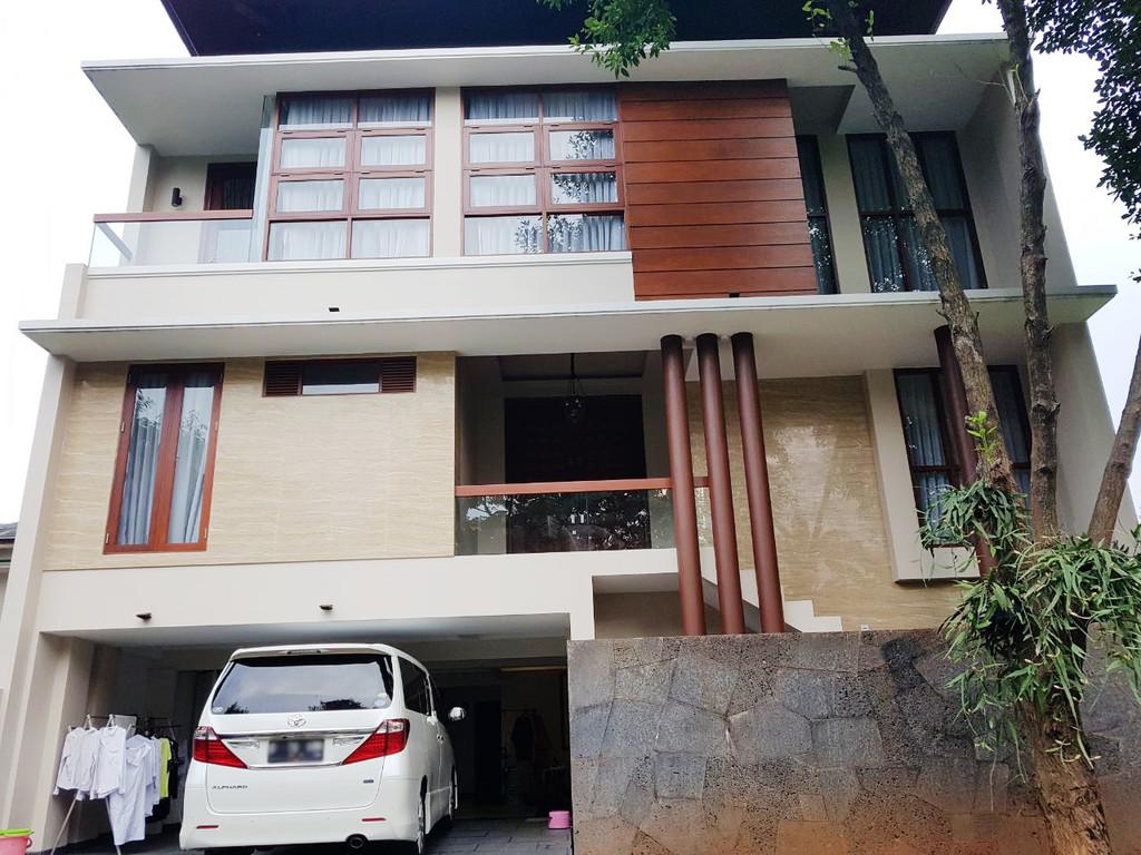 Rumah dijual nyaman, aman, akses lokasi sangat strategis @Menteng Utama, Bintaro