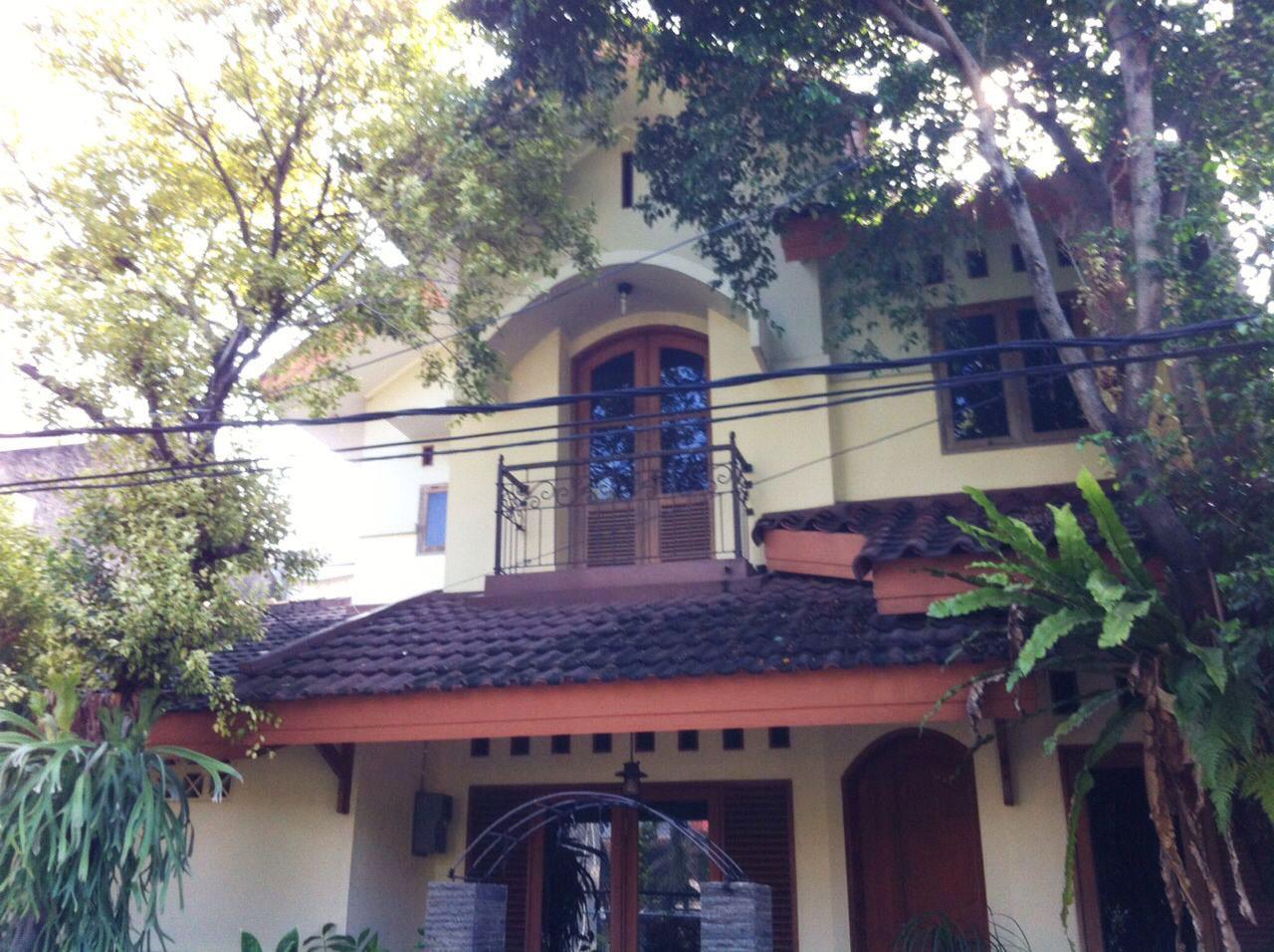Rumah Nyaman, Asri, Lokasi Strategis di Puri Kartika Ciledug