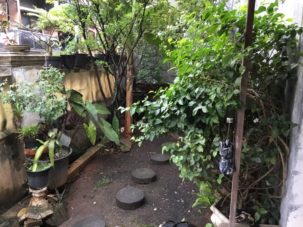 Rumah di Komplek Jati Bening Permai