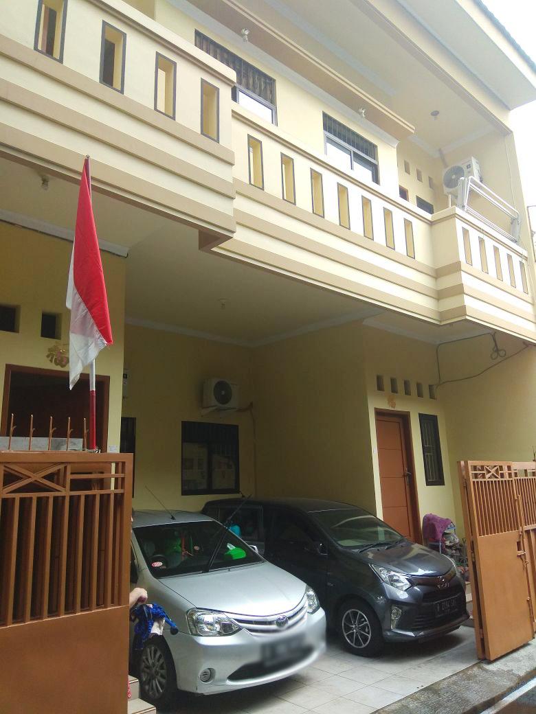 Rumah Dijual lokasi sangat strategis, nyaman, aman dan siap huni @Jl Salak, Tanjung Duren