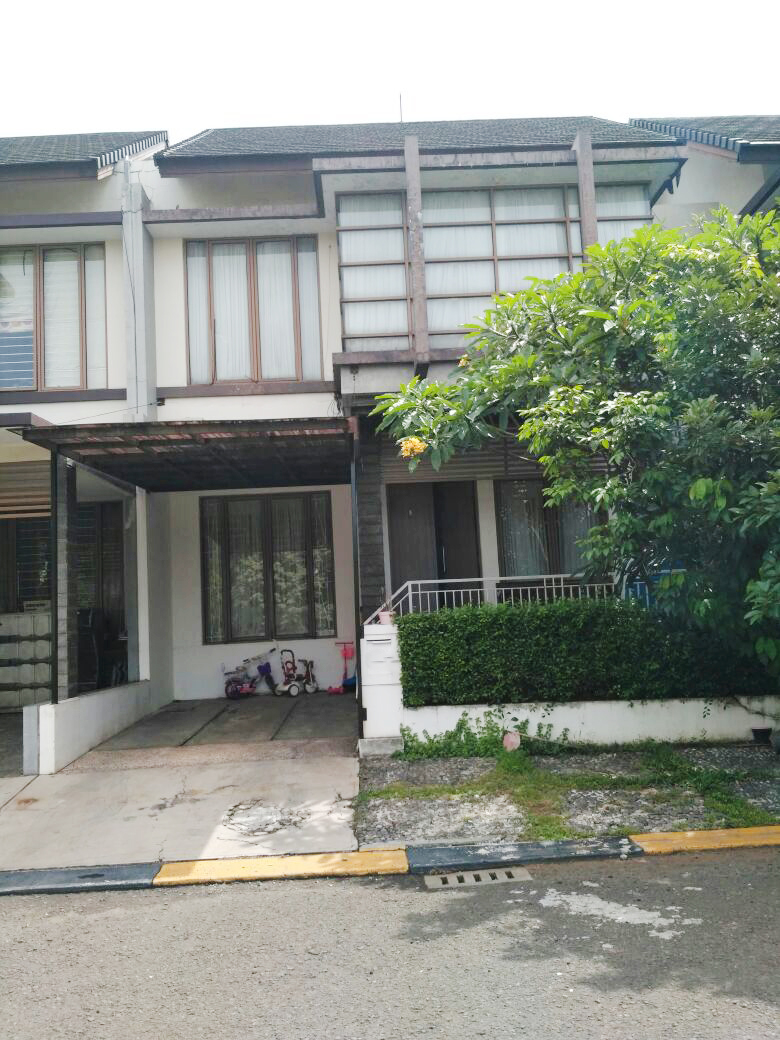 Dijual Rumah Siap Huni, Lokasi Strategis, dan Asri Di Emerald Garden, Bintaro sektor 9