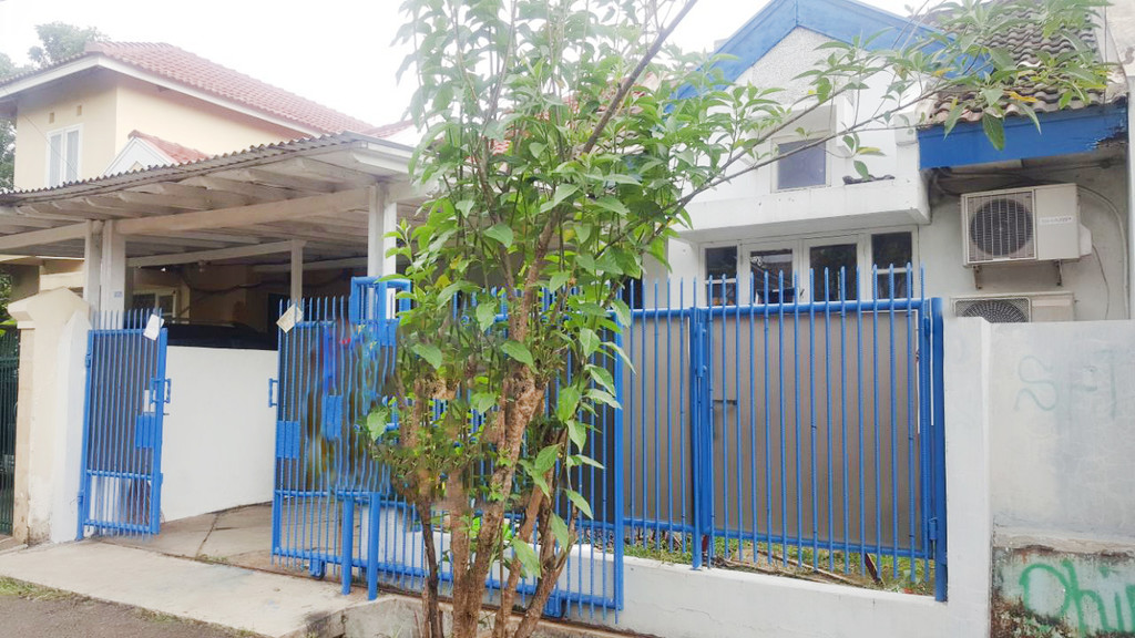 Rumah Dijual Siap Huni, Lokasi Strategis, dan Asri Di Jl Kiwi, Graha Raya