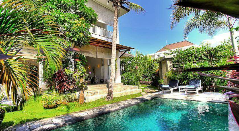 Under Market Price - Cute Villa for Sell in Batu Bolong