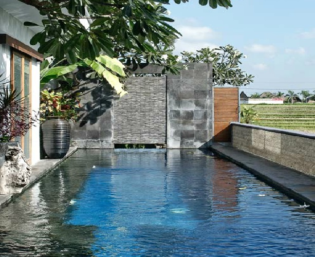 Leasehold 4 Unit Commercial Villa With Total 9 Bedroom For Sale in Canggu
