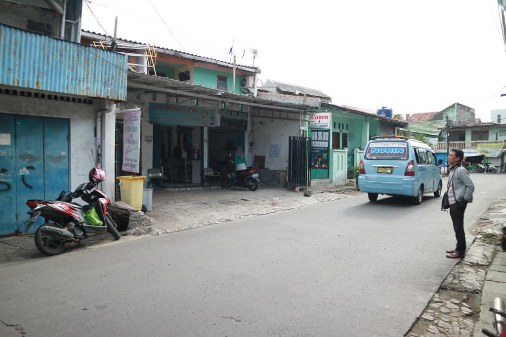 Cocok untuk usaha , Rumah di samping Rumah Sakit Persahabatan Jakarta